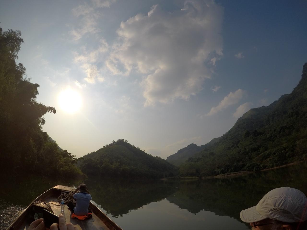 Boat journey to Da Bac
