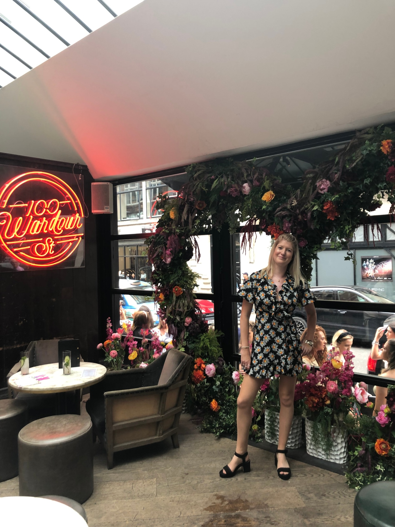 100 Wardour Street bottomless brunch