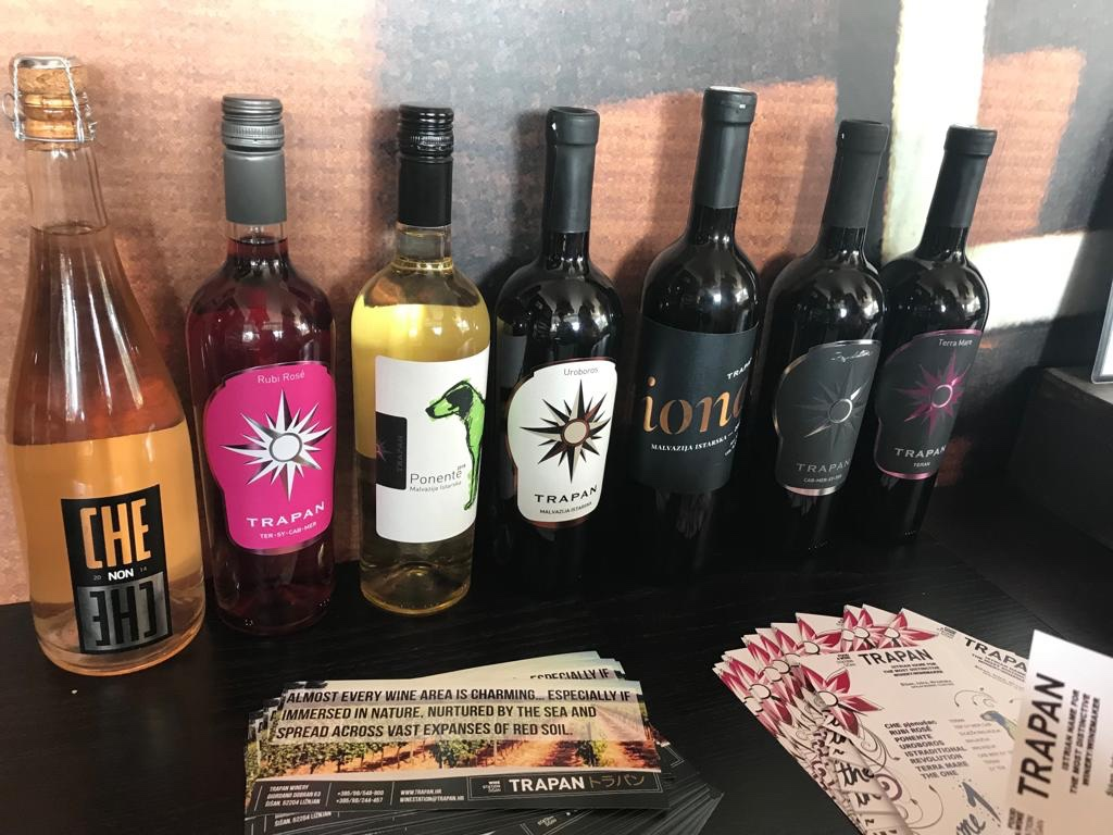 Wine tasting trapan wine station