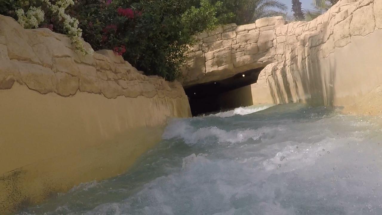 Aquaventure waterpark Atlantis Dubai rapids